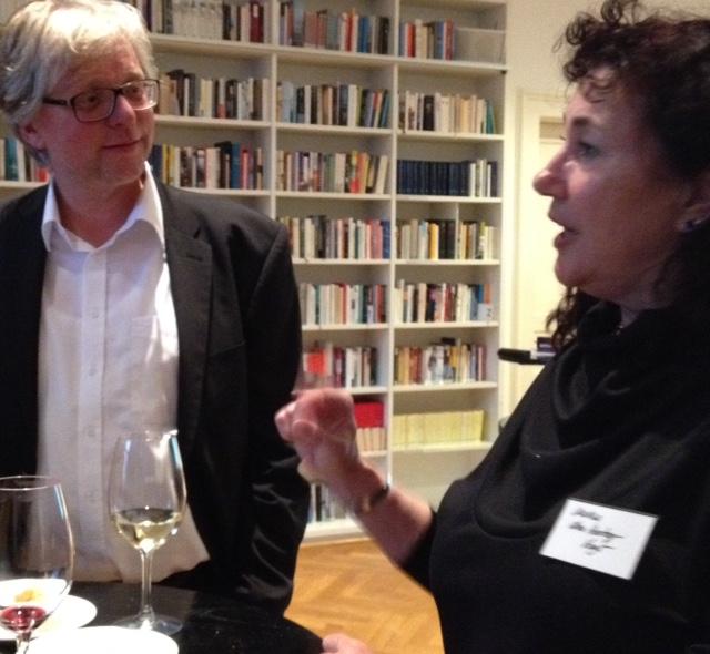 Jan Konst met vertaalster Martina den Hertog